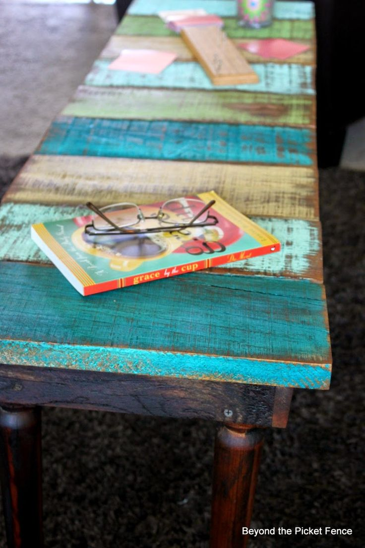 Reclaimed Wood Coffee Table or Bench Tutorial http://bec4-beyondthepicketfence.blogspot.com/2014/07/how-to-make-reclaimed-wood-benchcoffee.h...