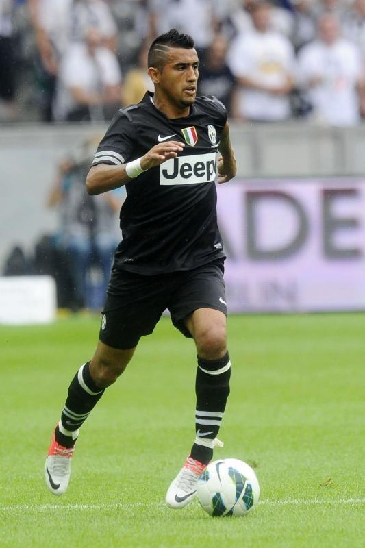 Arturo Vidal - Juventus BRASILCOPAMUNDOTOWEL.COM WONDERSOCCERTOWEL@GMAIL.COM SOCCER A BEAUTIFULGAME