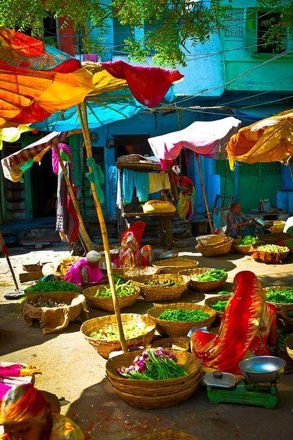 Market, Udaipur, India #PhotographySerendipity #TravelSerendipity #travel #photography Travel and Photography from around the world.