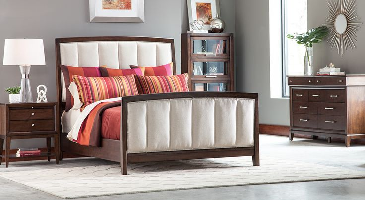 The Thomasville Studio 1904 Upholstered Panel Bed creates a plush look for your dream bedroom. Create your dream bedroom with beautiful upholstered Thomasville bedroom furniture like this from West Coast Living!