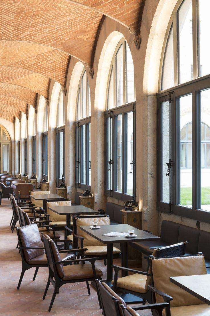 Fourvière Hôtel Lyon Projets Décoration France | Regardez les meilleurs projets de décoration à France. Et vous inspirez pour vos projets. Vous déjà connait Delightfull ? Delightfull est une marque portugaise d´éclairage qui avez une grande présence dans les projets de luxe en France. #projetsdedecoration #francedesigninterieur Laissez-vous inspirer et suivez : http://www.delightfull.eu/en/