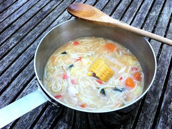 Antilliaanse kippensoep echt lekker en een echte maaltijd soep.