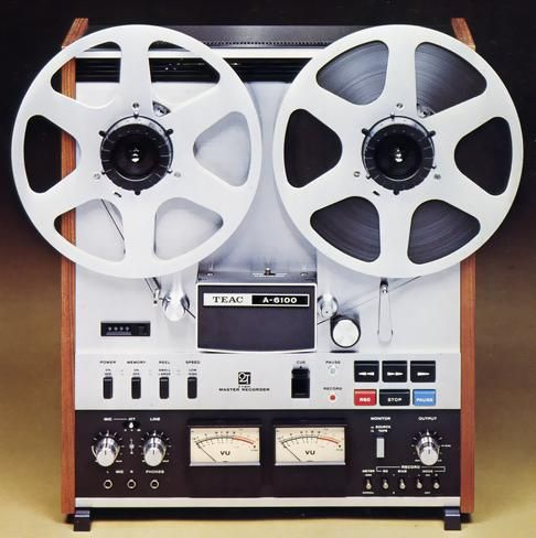 Google 画像検索結果: http://audio-heritage.jp/TEAC-ESOTERIC/player/a-6100.JPG