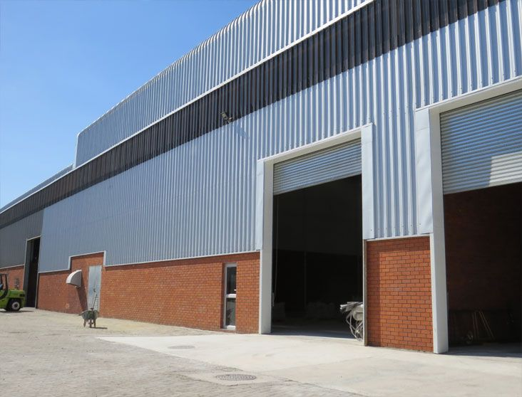 1000m2 Warehouse To Let