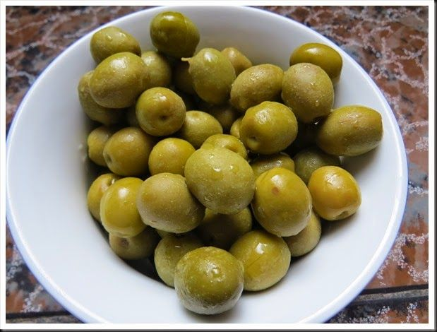 Delicious Manzanilla olives. I used to hate them until I moved to Spain! Click the picture for the story.