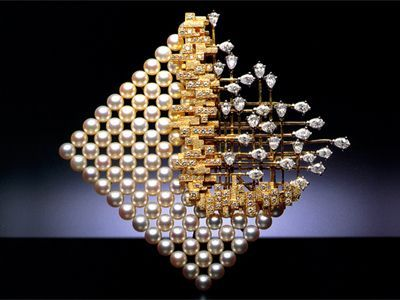 """Mikimoto """"Prelude to Space"""" brooch"""