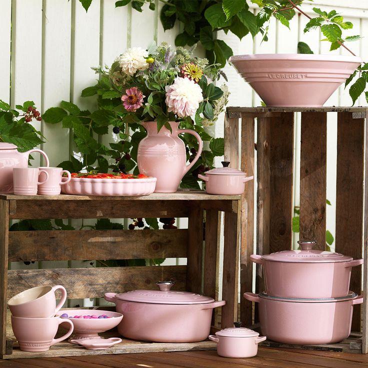 Ny färg på Le Creuset - ge mig!!!  |  Chiffon Pink - Le Creuset - RoyalDesign.se