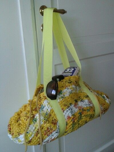 Sommar- och badkasse Av återvunna plastkassar...