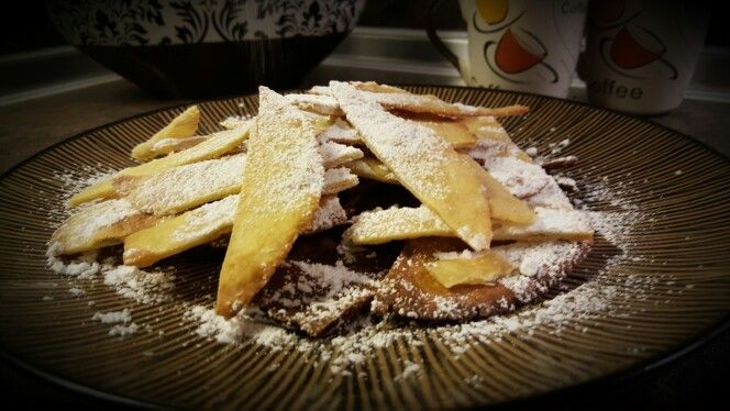 Thin pita bread by yiayia Tsampika- Λεπτή Πιτα Ρόδου της Γιαγιάς.