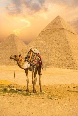 pirámides de Giza en El Cairo, Egipto.