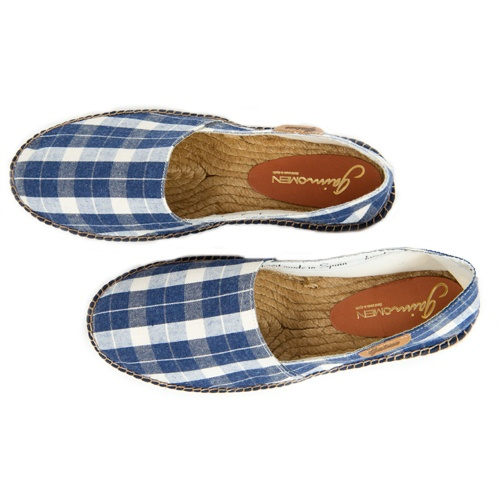 Gaimo Camping Mens Espadrilles 36.95€ Blue and white checked mens espadrilles handmade in Spain. All Gaimo shoes are made ​​of natural and organic materials such as 100% natural cotton, linen and / or the best quality chrome-free leather. Through our label made in Spain by hand we can guarantee that our products are top, as already recognized and appreciated in many countries. We may say that the brand Gaimo experienced by proven quality, durability and more innovative designs of espadrilles.
