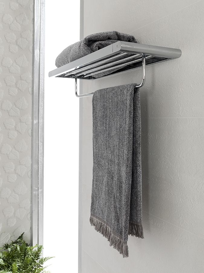 Accesorios elegantes para #baños contemporáneos. Descubre su funcionalidad y múltiples acabados #diseño #interiorismo