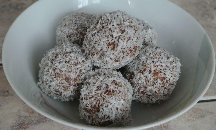 Rychlé kokosové kuličky bez cukru