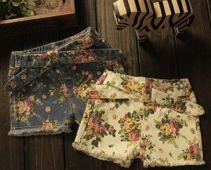 Pantaloni Margaux din denim cu imprimeu floral.