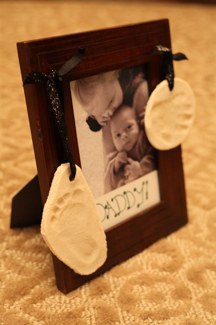 Picture Frame with Hand & Footprint Ornaments