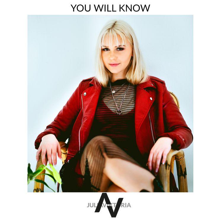 Nu är det dags för Julia Viktoria att släppa sin andra singel!