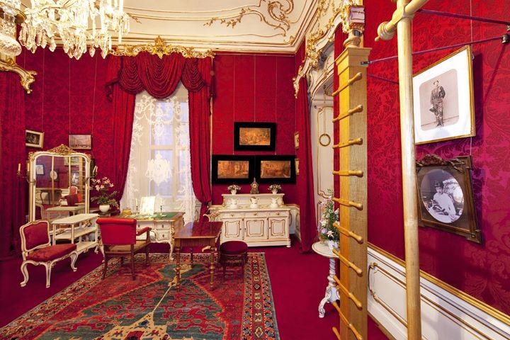 Empress Elisabeth's gymnastic room, Vienna  Turn- und Toilettezimmer Kaiserin Elisabeths    hofburg-wien.at