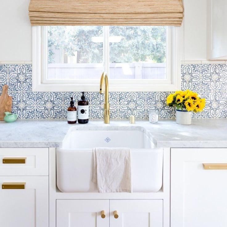722 vind-ik-leuks, 8 reacties - @walkerzanger op Instagram: 'Modern lines meet classic Angeleno style in this pretty  @jm_interiors kitchen featuring our…'
