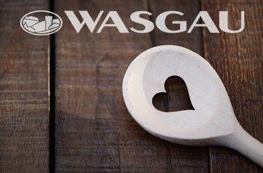 Schweinemedaillons mit Pilzrahmsauce an Bandnudeln mit gebratenen Speck-Rosenkohl — WASGAU AG
