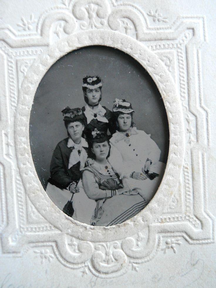4 beautiful ladies civil war era fashion hats fantastic antique tintype photo ebay civilwar. Black Bedroom Furniture Sets. Home Design Ideas