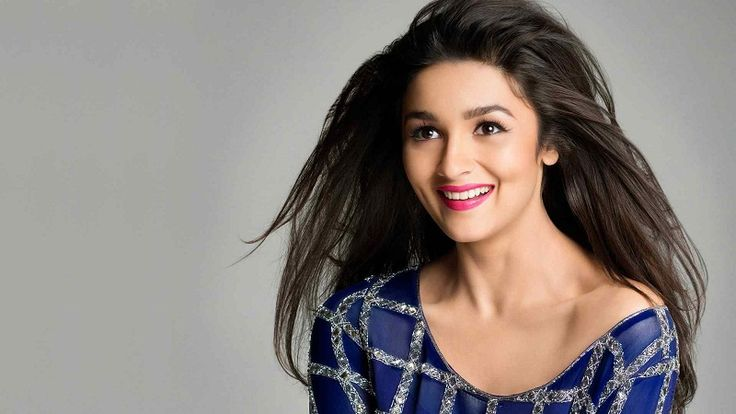 Alia Bhatt wallpapers, age, wiki and movie list - Humpty Sharma Ki Dulhani. Alia Bhatt with Sidharth Malhotra and Varun Dhawan in Student of the Year.