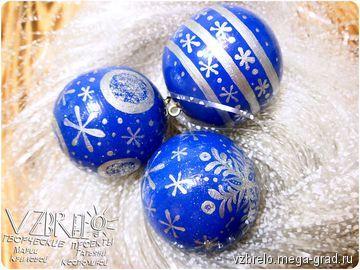 Деревянные елочные шарики. - изделия из дерева, авторские новогодниеи рождественские подарки. МегаГрад - мега-портал авторской ручной работы елочные игрушки, елочные украшения, новый год, зима, ручная работа, роспись, дерево, липа, токарка, шарики, елочные шарики, VZBRELO