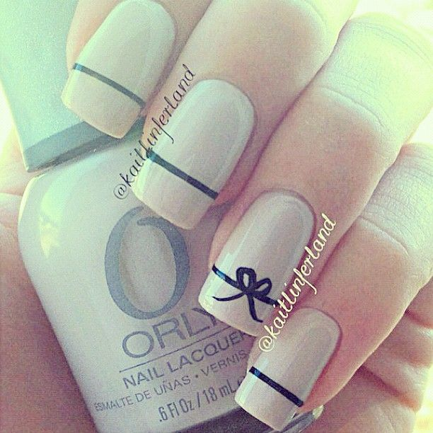 cute simple elegant girly nails for a date or a classy party or if your going for tea with a friend (;