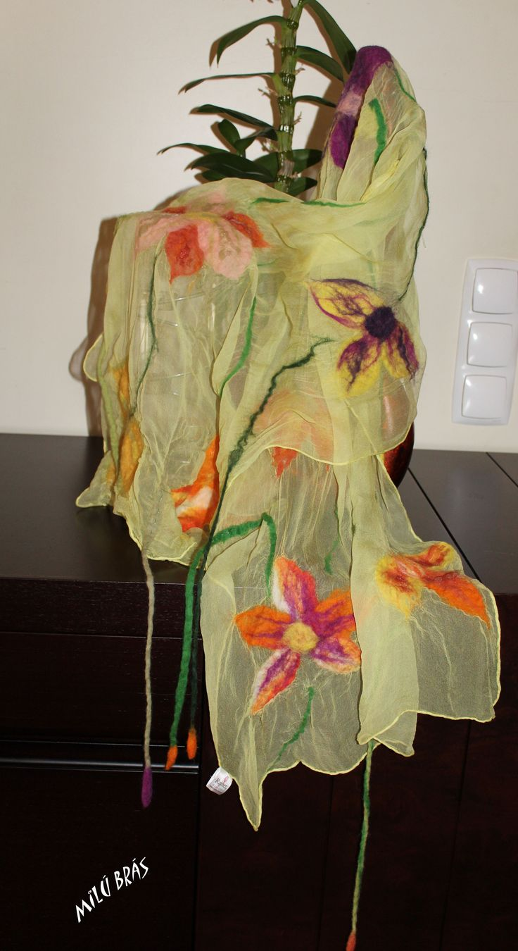 silk scarf with applications to felted wool 40€