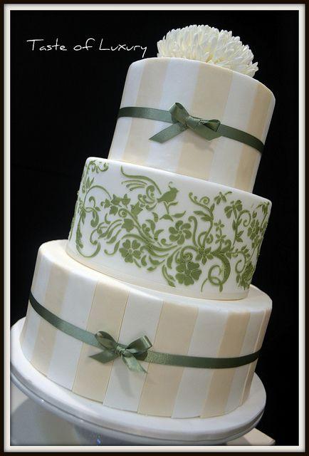 Vintage Retro Wedding Cake By Taste Of Luxury Via Flickr