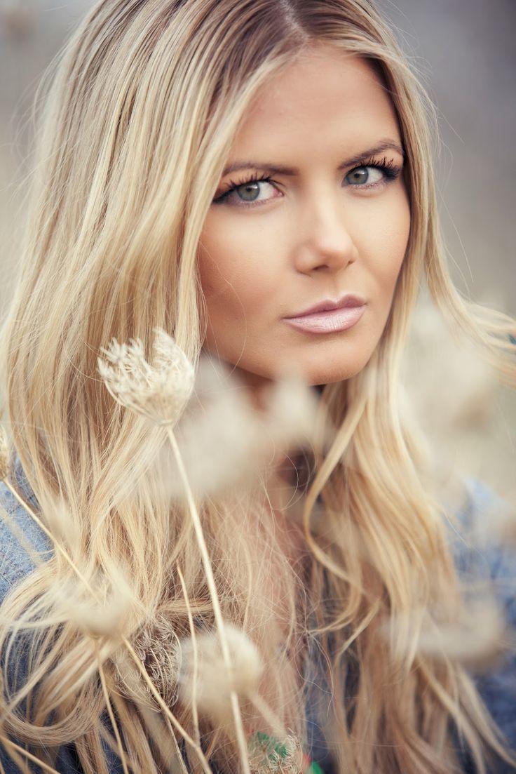 189 best ChEvEux Blonds Longs OndulÉs-Blond Curly Long ...