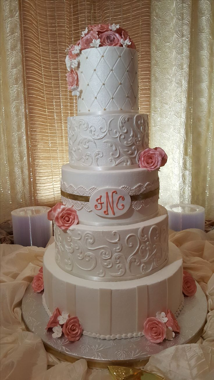 wedding cakes flavors best 25 wedding cake flavors ideas on cake 24357
