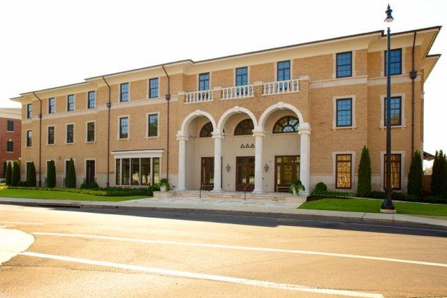 University of Alabama Tri Delta House// UA Panhellenic