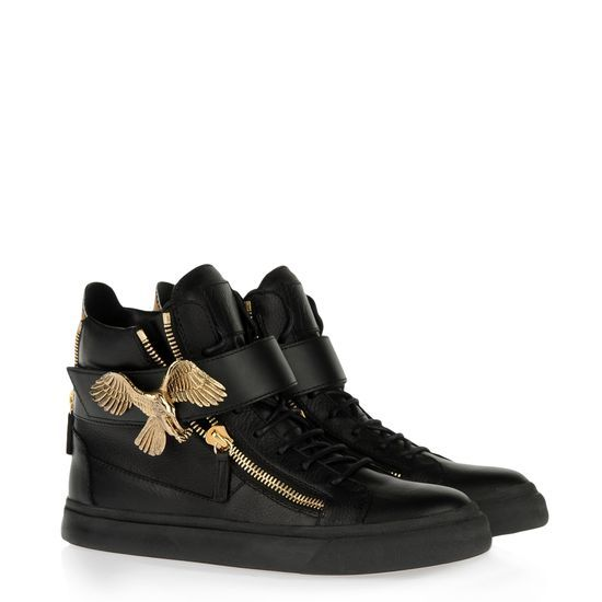 Guiseppe Zanotti sneakers 'Eagle' in black tumbled calfskin and patent bronze detail at the rear and side zips in tone. Limited Edition.
