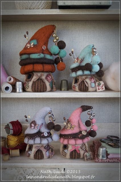 Les vendredis de Nath:  needlefelted  pincushions shaped like elf houses, so so cute !!! She sells them for 24 € in her store