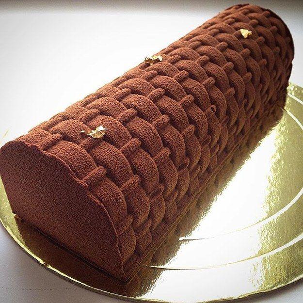 Nem todos os bolos de Noskova têm essas concepções brilhantes, como esta delícia colorida com noz moscada. | Os bolos dessa mulher são tão maravilhosos que é impossível parar de olhar
