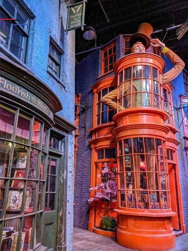Trip To Warner Bros Studio London Calling All Harry Potter Fans Warnerbr Warner Bros Studio London Warner Bros Studio Tour Warner Bros Studio Tour London