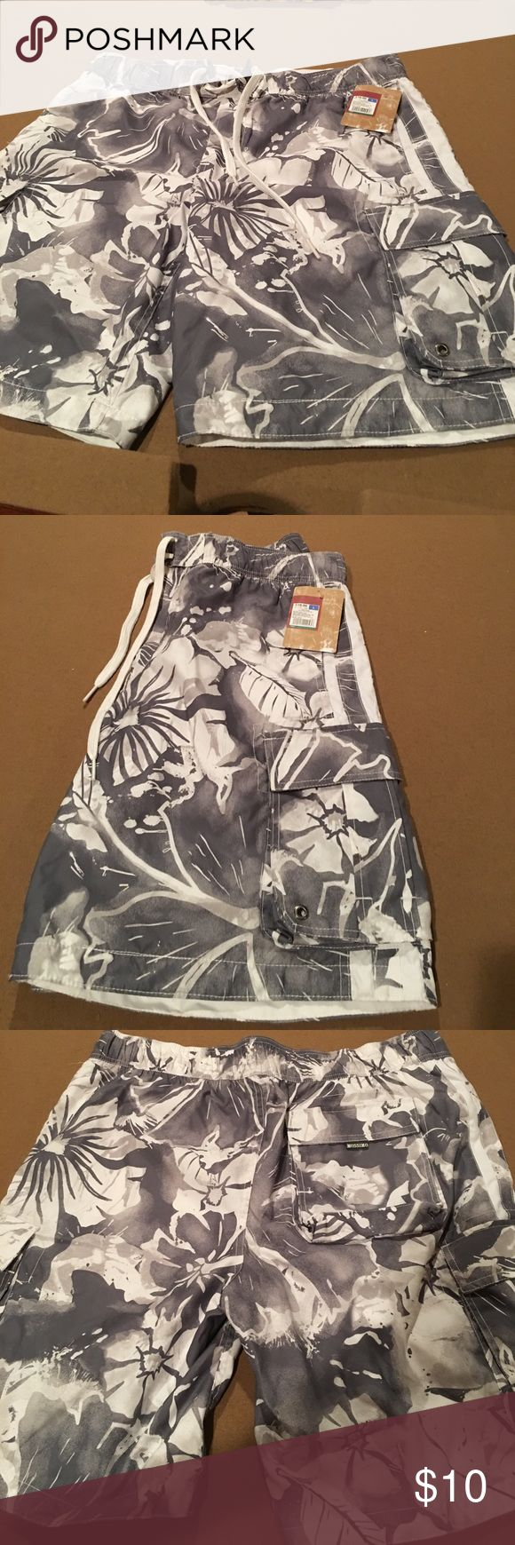 Men's swim trunks size large Men's swim trunks from Mossimo.  Size Large. With tags attached.  Has mesh liner. Draw string side pockets with Velcro closure.  Back pocket with Velcro closure grey and white Hawaiian print Mossimo Supply Co. Swim Swim Trunks