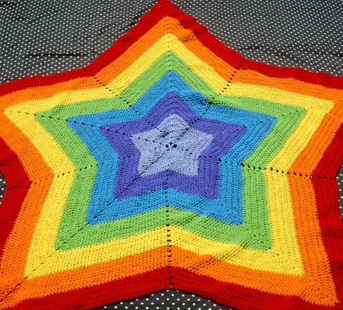 Rainbow Star Afghan by nibletcrafts on Flickr.
