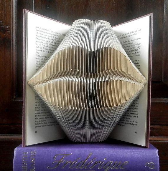 Kissing lips - Valentine's day gift - Folded book art - Boyfriend gift - girlfriend - anniversary - wedding gift - handmade gift