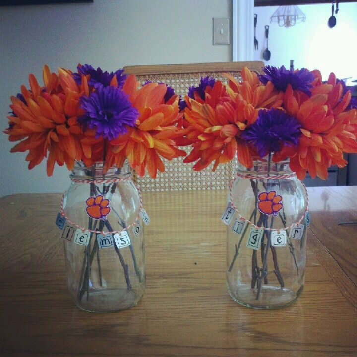 Need some table decor for your team's party? Pick up some artificial flowers in your team's color then place them inside a vase. Add some stickers or create a banner with your team's name out of construction paper and string. So cute. So festive!