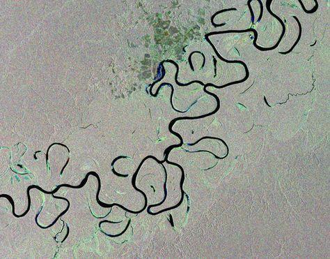 Les photographies de la Terre prises depuis l'espace ont la particularité de nous montrer des angles de vue complètement inédits. Et pour preuve, voici ces 18 clichés qui montrent toute la splendeur des reliefs terrestres qui forment des fresques gigantesques.1. ...