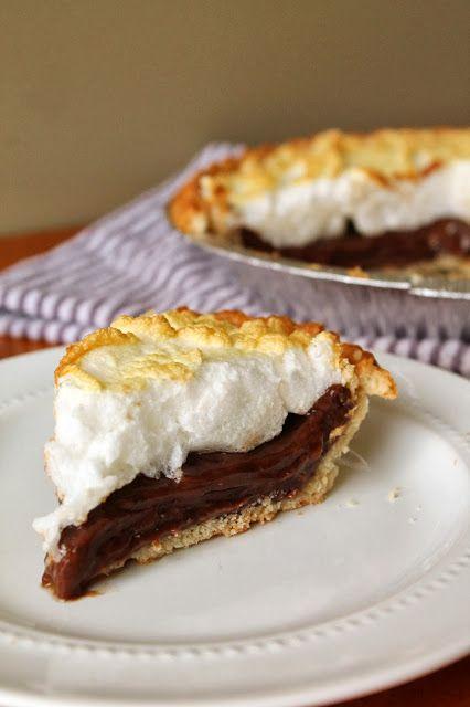 Old Fashion Southern Chocolate Pie | via @labride (Louisiana)