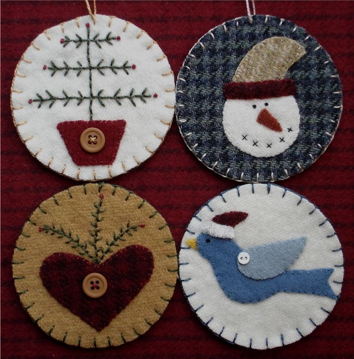 Wool Applique Folk Art Penny Rug Mat and Christmas Ornaments  The Wooden Acorn: TDIPT MERCANTILE -