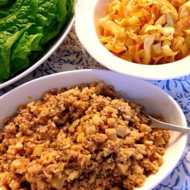 このワンタンと肉味噌巻の食べ方が一番おすすめ☆ 子供はご飯の上に肉味噌をのせて食べたよ!他にも色んな食べ方が‼ 塩焼きそばとかラーメンや春巻きとか揚げ餃子にいれたり...とにかく、美味しいから、是非作ってみてね٩(๑❛ᴗ❛๑)۶ - 263件のもぐもぐ - tomokeetaおすすめ万能肉味噌☆ by Tomoko Ito