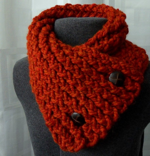 Short Scarf with Buttons - Winter Scarf