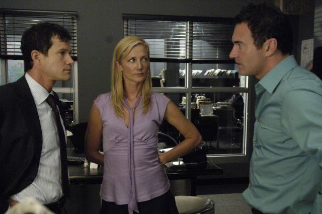 Joely Richardson, Julian McMahon, and Dylan Walsh in Nip/Tuck (2003)