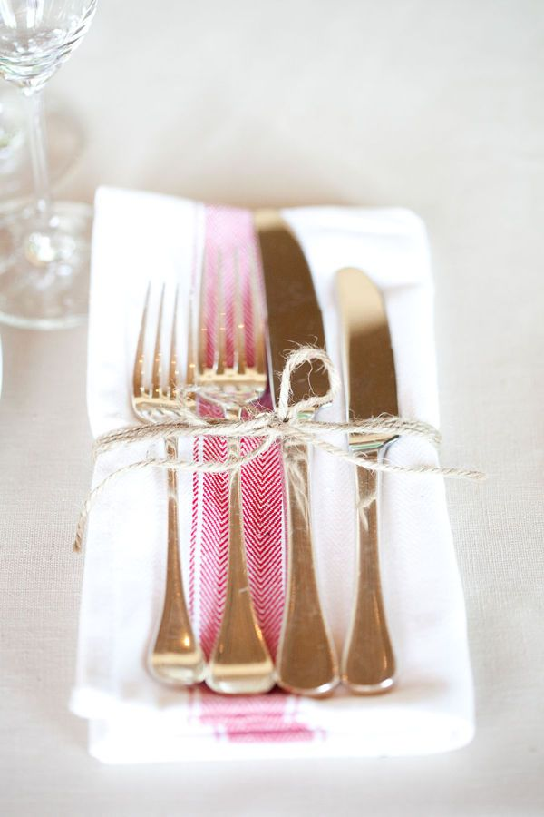 table setting: Casual Wedding, Tables Sets, Southern Charms, Ties, Casual Elegant, Wedding Napkins, Tables Arrangements, Places Sets, Gold Flatware