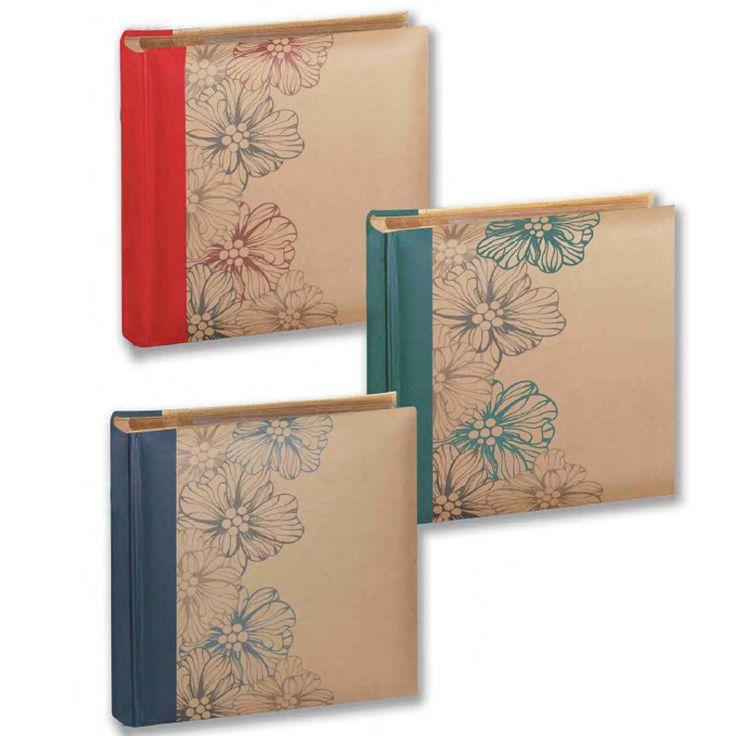 Album Porta foto.  Album in carta riciclata. Rilegatura libro. Dorso in tela, Interni con memo + porta CD. Due formati:  1) per 100 foto – formato 13×19 2) per 200 foto – formato 13×19