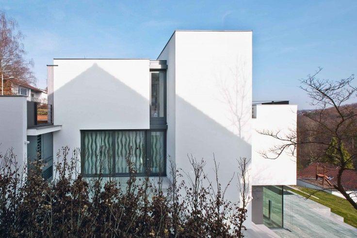Ansichten von Südosten und Westen hier liegt der Schlafraum auf der mittleren Ebene mit eigener Terrasse | Fuchs Wacker Architekten ©Johannes Vogt, Mannheim