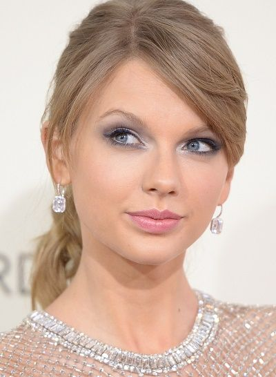 Which Famous Boyfriend Did Taylor Swift Reportedly Lose Her Virginity To?